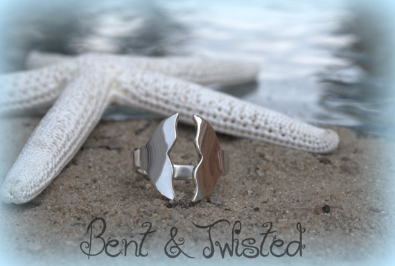 Silver Whale Tail Ring – High Shine